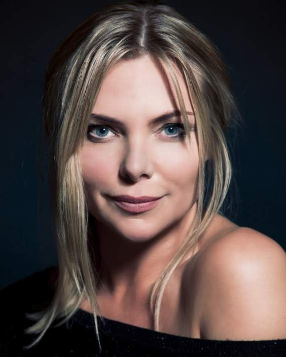 See Samantha Womack and Les Dennis in The Addams Family at Cliffs Pavilion, Southend