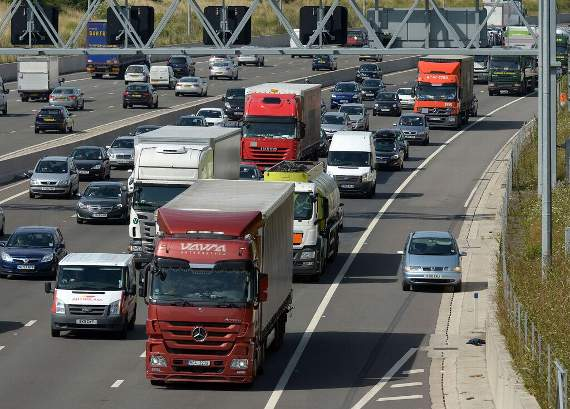 TRAFFIC: Delays on anticlockwise M25, warns Essex Council